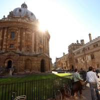 Oxbridge urged to lower offers to working class students