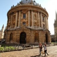 Oxford University to launch first 'Mooc' course